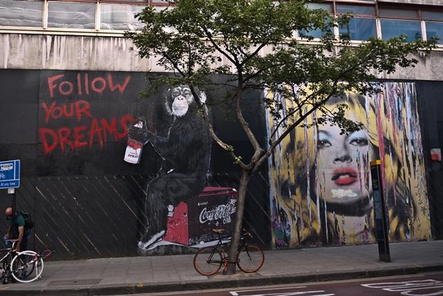 Mr Brainwash on a Street Art Tour of London