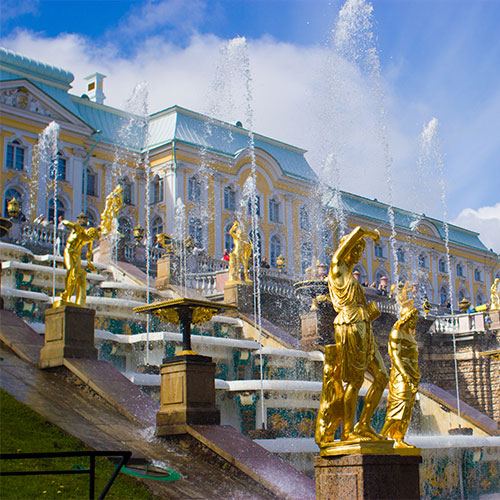 Book cheap flights to St. Petersburg, Russia