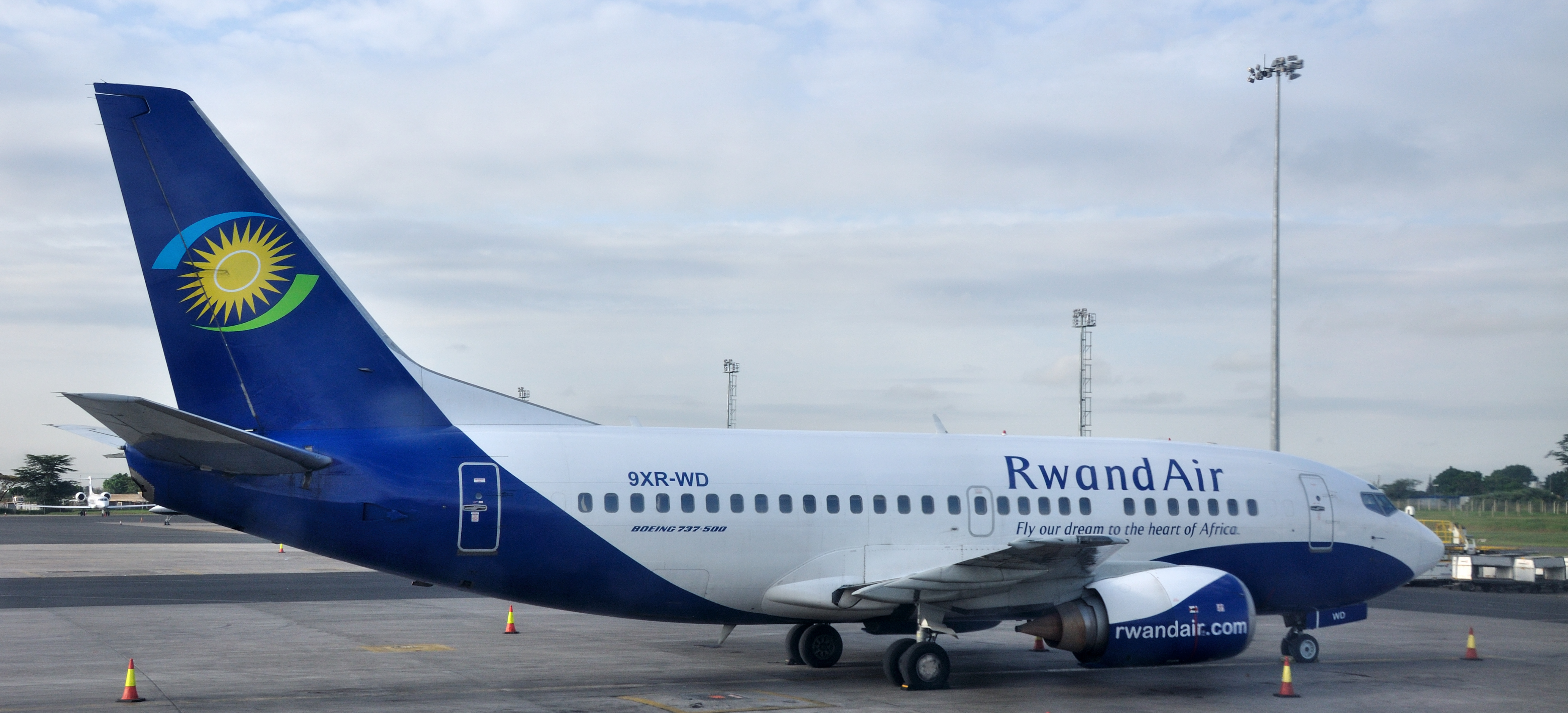 RwandAir on the run way