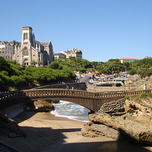 Book cheap flights to Biarritz