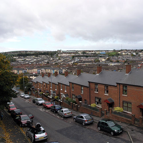Book cheap flights to Derry, Northern Ireland