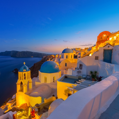 Book cheap flights to Santorini, Greece